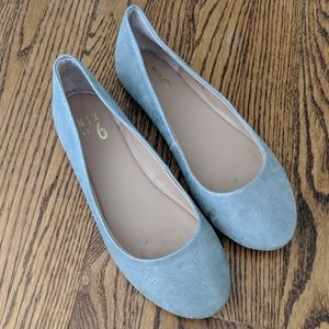 Silvery grey ballets flats, size 7.5